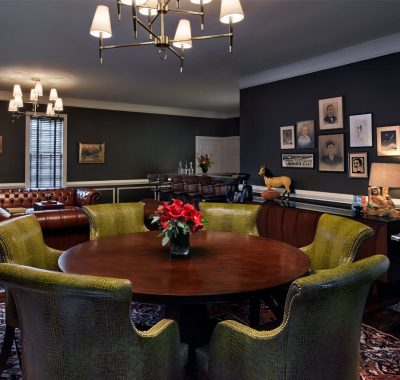 large dining table in hoyt suite at graduate athens