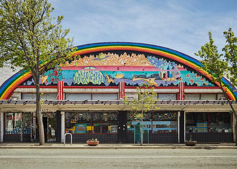 colorful exterior of restaurant in downtown berkeley