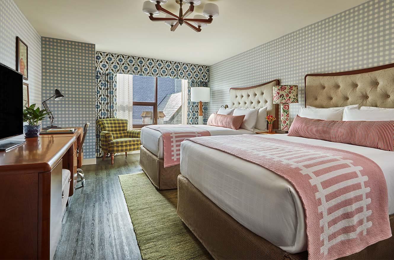 Queen Queen Beds