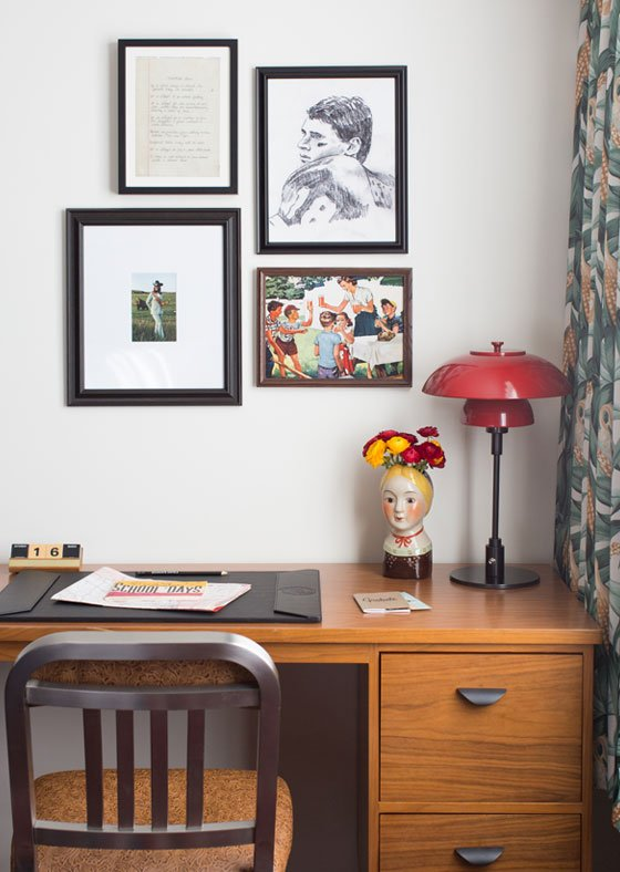 guestroom workstation at graduate lincoln