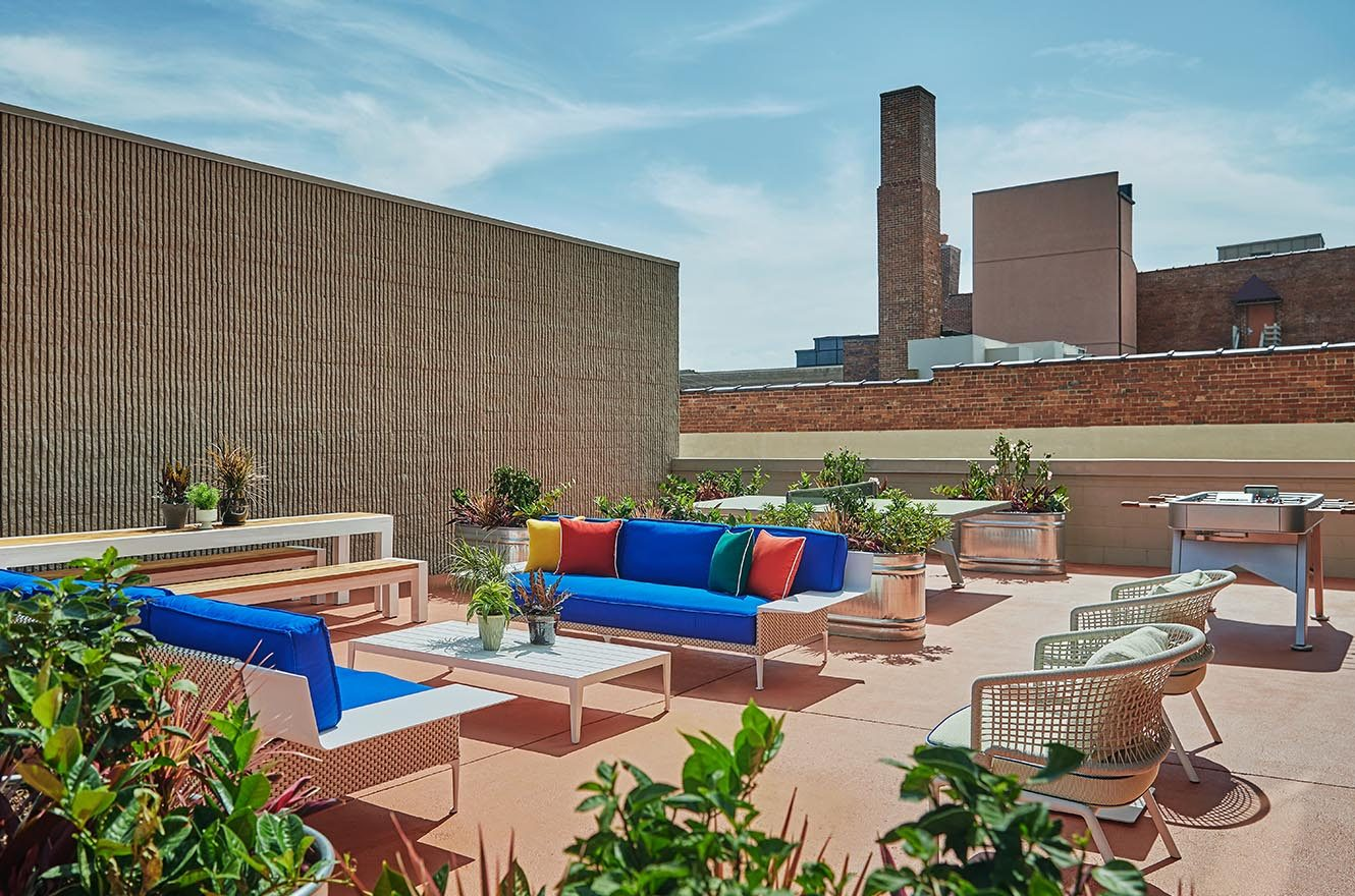 rooftop courtyard at graduate lincoln