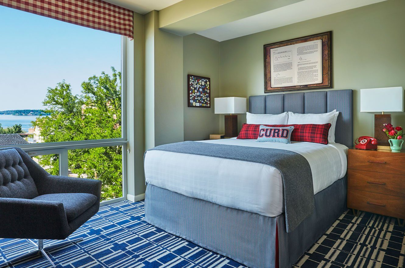 Luxury Hotel Room Overlooking The Lake At Graduate Madison