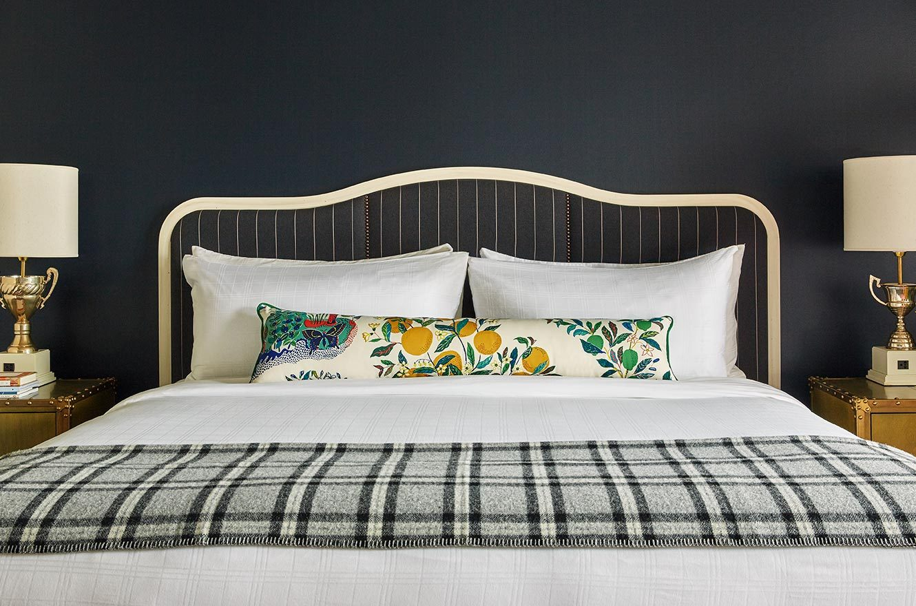 Comfortable King Bed At The Graduate Oxford