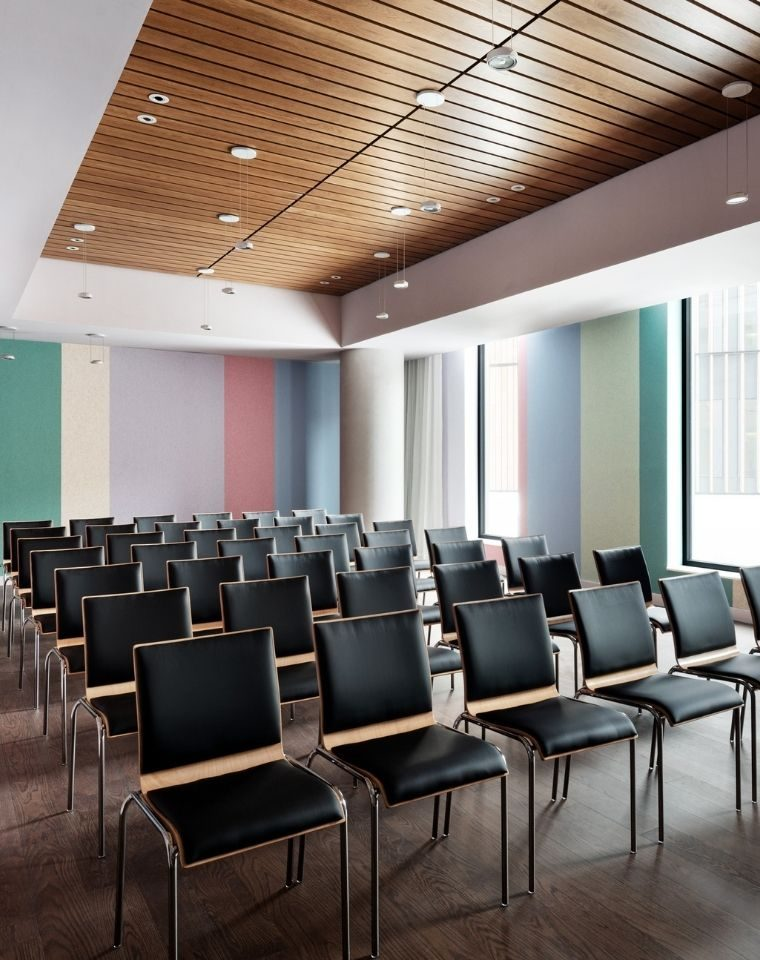 Meeting space at Graduate Roosevelt Island