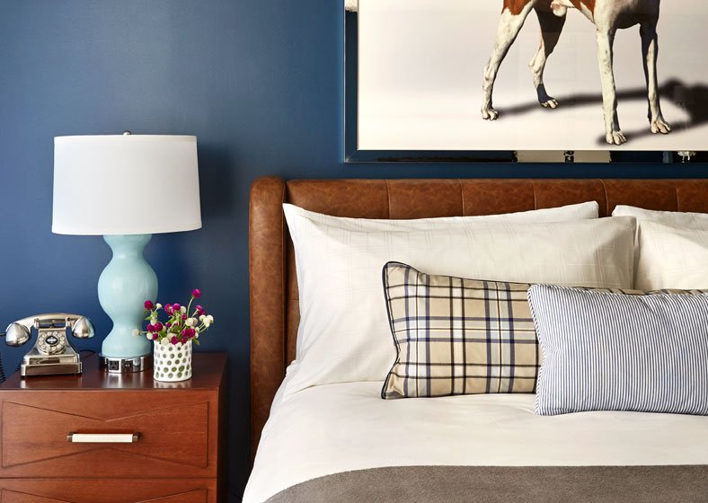 Guestroom night stand